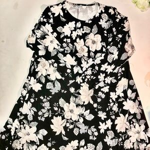 Flower 💐dress NWT 🏷‼️